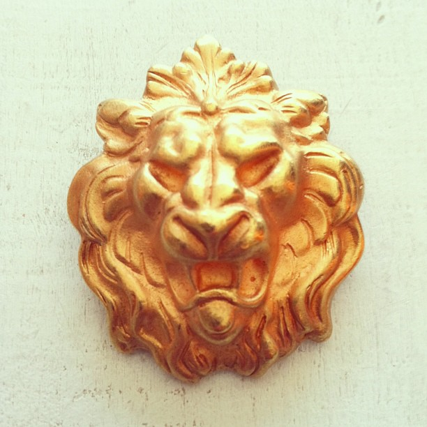 For all you wild cat collectors…#vintage 1970's Lion head brooch $50 (at Antoinette)