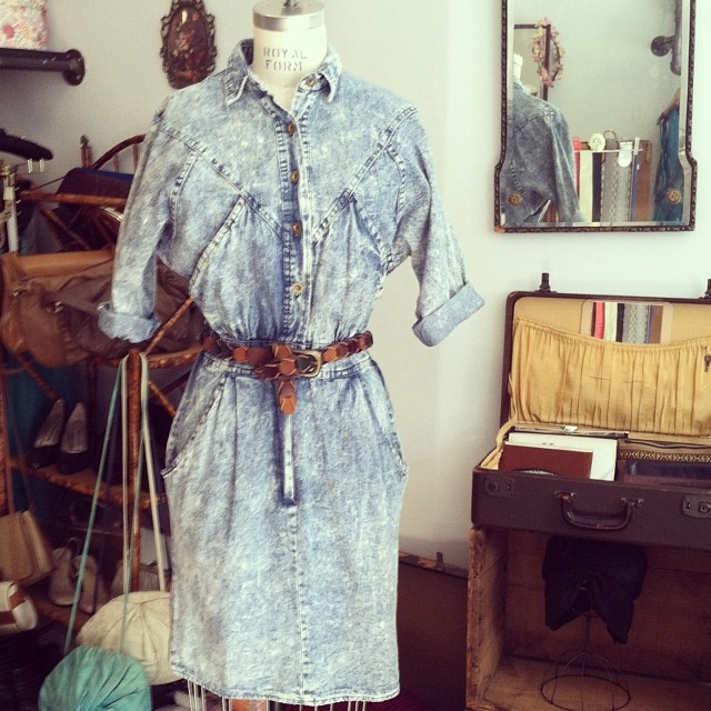 In an 80's mood today! #vintage denim dress by #OopsCalifornia size S/M  $85, suede belt $45 #madeinusa #antoinettevintage  (at Antoinette)
