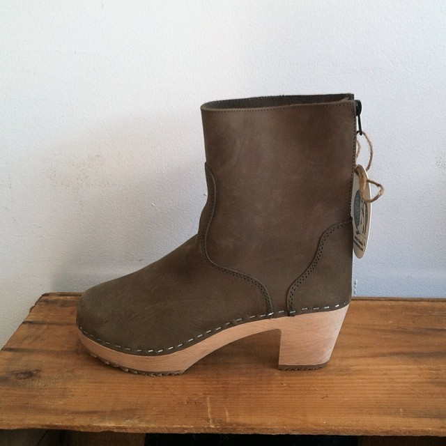 Clog + Boot = Winter Perfection #EvaClogBoot in Sage! #antoinettevintage #ninaZ (at Antoinette)
