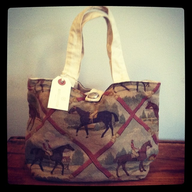 Everyone needs an accessory with a horsie on it! #vintage 80's canvas bag $45 #antoinettevintage ❤️🐎 (at Antoinette)