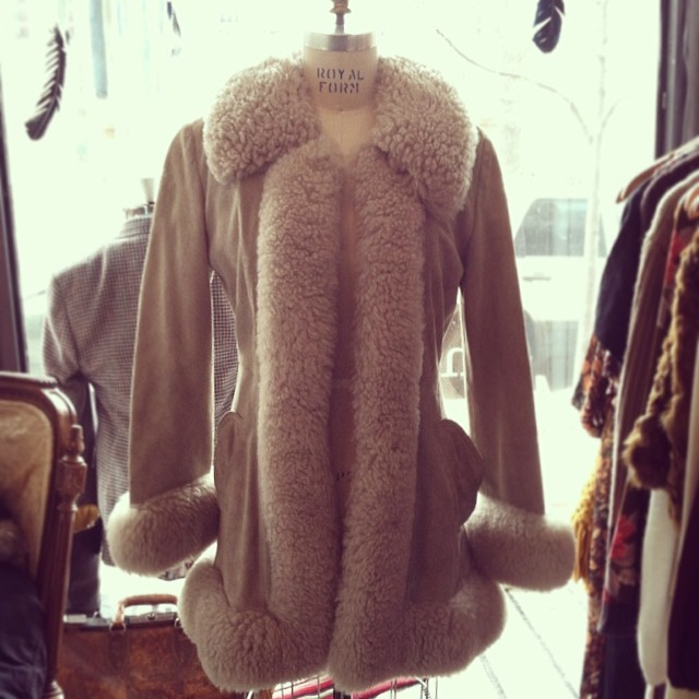 A snow storm is coming so cozy up in this #vintage shearling coat! Tag reads size 8 (fits a Small) $125 ❄️❄️ #antoinettevintage #vintagecoat #brooklyn #williamsburg #madeintheusa  (at Antoinette)