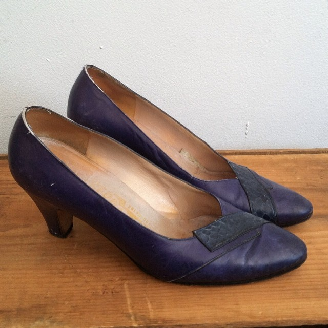 OMG! #Vintage #1960s #Ferragamo pumps (leather w/snakeskin detail) size 5 ½ $60 #antoinettevintage #vintageshoes #60s #brooklyn #williamsburg #streetstyle  (at Antoinette)
