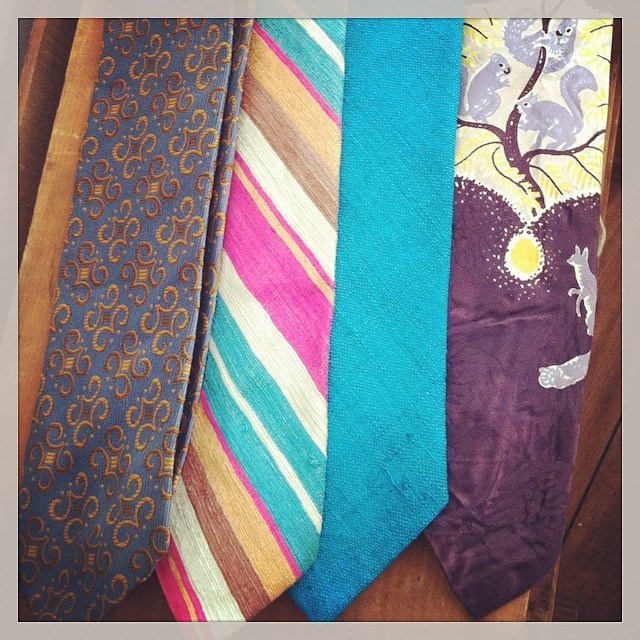 Just a few of our #vintage ties we got here for sale at the shop…including #PierreCardin & #ChristianDior ! #WednesdayMensday #antoinettevintage #mensvintage #vintageties #madeinusa #oneofakind #williamsburg #brooklyn #thriftandstyle  (at Antoinette)