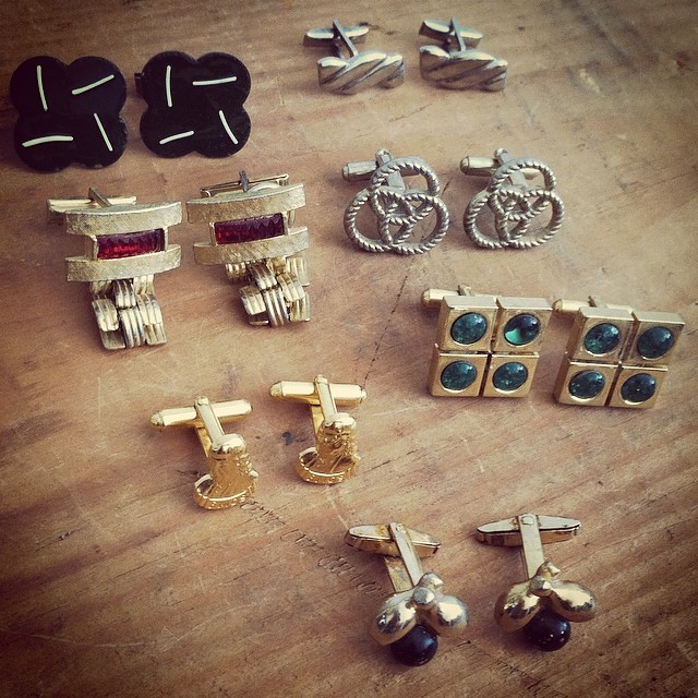 We're inspired by this Sunday's season premier of #madmen for #wednesdaymensday #vintage #1960s cufflinks $25 each #mensvintage #antoinettevintage #brooklyn #williamsburg #vintagecufflinks #thriftandstyle  (at Antoinette)