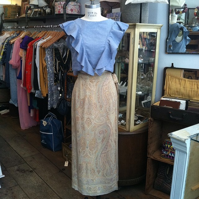 Mixing old with new today! #vintage #1990s #Talbots 100% silk wrap maxi skirt size 2 $58 & the @viva_aviva #magnoliacroptop size M $125 #antoinettevintage #madeinusa #madeinnyc #oneofkind #ootd #williamsburg #brooklyn #thriftandstyle  (at Antoinette)