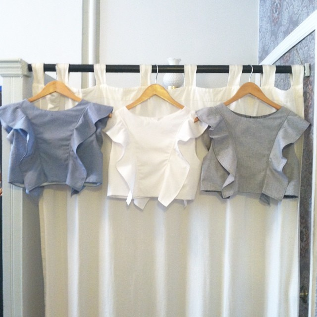 The @viva_aviva #MagnoliaCropTop is baaaaaack! Available in Blue chambray, White & now Grey chambray- Sizes XS-L 👏👏👏      #VivaAviva #AntoinetteVintage #madeinusa #madeinnyc #croptop #williamsburg #brooklyn #thriftandstyle  (at Antoinette)