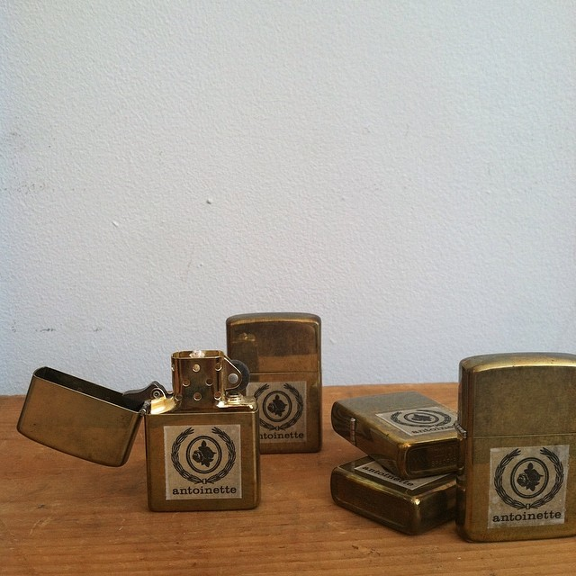 First 50 customers (spend any amount) get one of these #madeinusa #vintage zippo lighters! 🔥🔥🔥 #antoinettevintage #oneofkind #williamsburg #brooklyn #thriftandstyle  (at Antoinette)