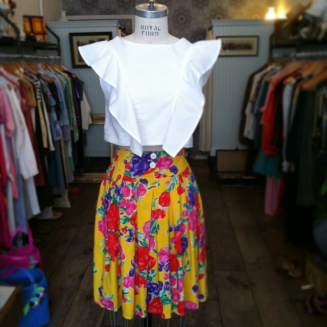 Pairing up new with old on this Sunday afternoon ☀️🌻#VivaAviva #Magnolia #CropTop sizes XS-L & #Vintage #1980s high waisted skirt size S $48 #antoinettevintage #madeinusa #oneofakind #ootd #summerstyle #brooklyndesigner #williamsburg #brooklyn #thriftandstyle (at Antoinette)