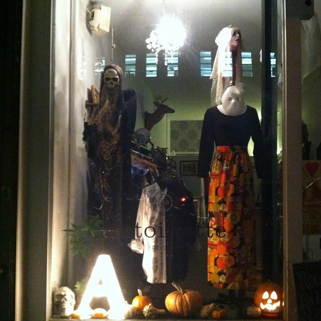Counting down 2 weeks until Halloween! 🎃👻 #antoinettevintage #vintage #Halloween #FavoriteHoliday #williamsburg #brooklyn (at Antoinette)