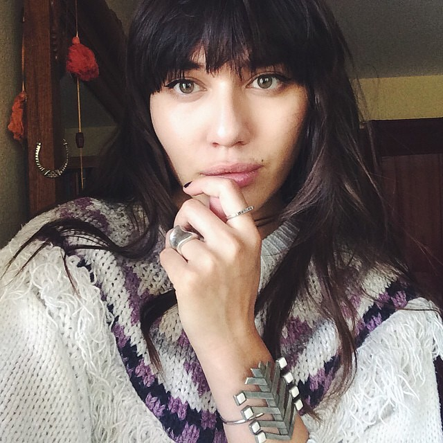Our #WCW is #NYC blogger babe @natalieoffduty   Looking all warm & cozy in our #antoinettevintage sweater 🔥❤️🔥  #vintage #NatalieOffDuty #madeinusa #oneofakind #williamsburg #brooklyn #regram  (at Antoinette)