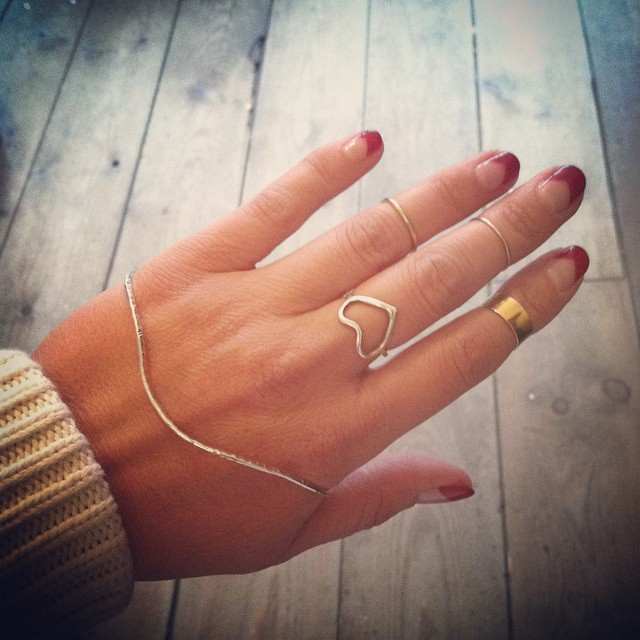 There is always a Silver Lining to an unfortunate or gloomy situation …beautiful words by #NYC jewelry designer @sabrinaslnyc ✨  All jewels sold in shop #SabrinaSL Sterling sliver handlet $150 &   #GiantLion 14K stacking rings $68-$100  #madeinusa #oneofakind #antoinettevintage #williamsburg #brooklyn  (at Antoinette)