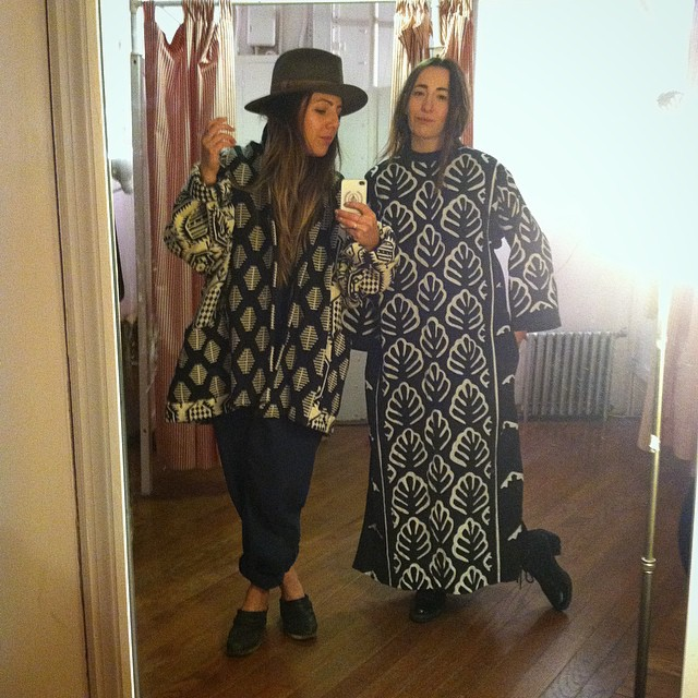 Channeling True Grit & Matisse at @horizonsvintage #vintage #myhomies #vintagebesties #williamsburg #brooklyn (at Horizons Vintage Clothing)