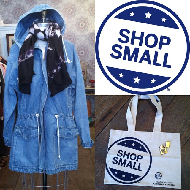 Take 20% off all #vintage!   With any purchase today you get a FREE #shopsmall tote & a vintage zippo ($20 value)🔥🔥🔥   #vintagedenimcoat size M/L $90 by #EddieBauer #madeinusa #oneofakind #podascashop silk scarf $55 #vintagezippo #smallbizsat #amex #SmallBusinessSaturday #williamsburg #brooklyn #shoplocal  (at Antoinette)