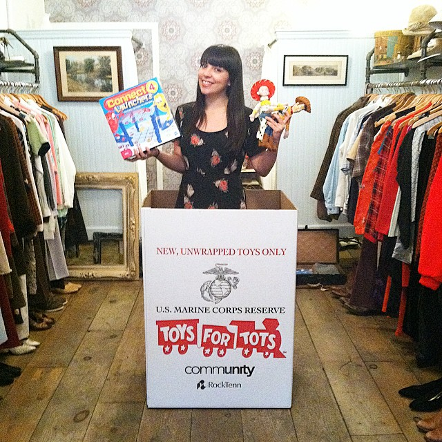 'Tis the season to give, for the month of December bring a brand new, unwrapped gift for a child in need and receive 30% off all #vintage 🎅🎄🎁 #toysfortots #charity #shoplocal #toys #giveback #williamsburg #brooklyn #nyc #ItTakesAvillage (at Antoinette)