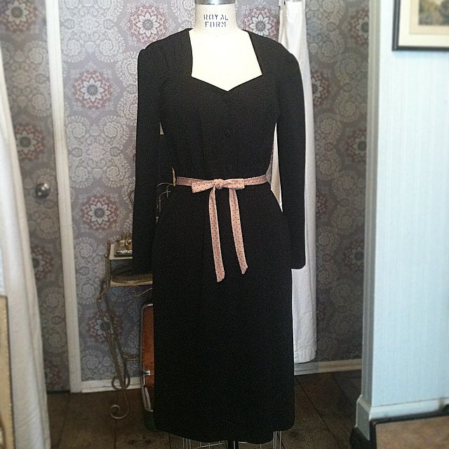 For the gals that wear black on Valentine's Day but like a touch of love 🎀💝  #vintage #1980s sweetheart neck #LBD $65 size M/L by #BedfordFair #madeinusa  (at Antoinette)