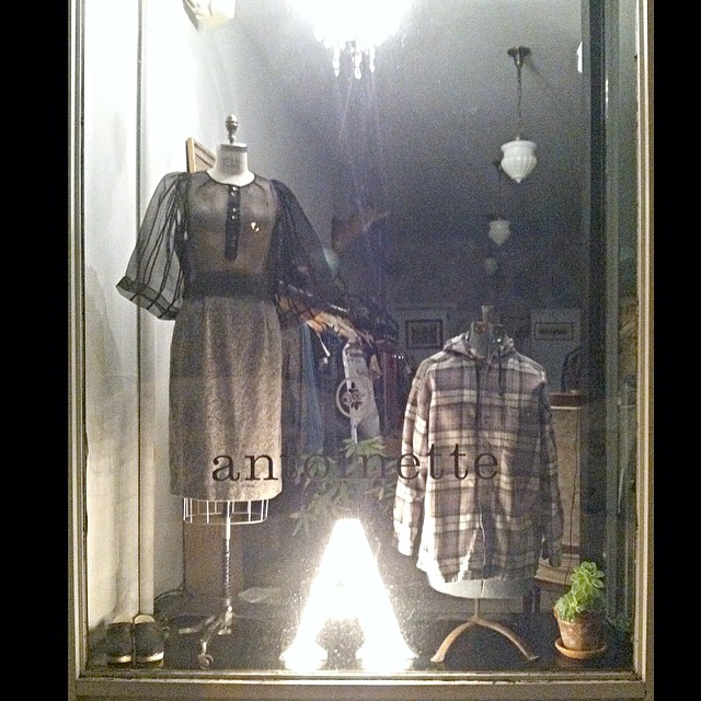Brooklyn Designer met Vintage in our shop window last night 🏦🌙 #wraycollection #antoinettevintage (at Antoinette)