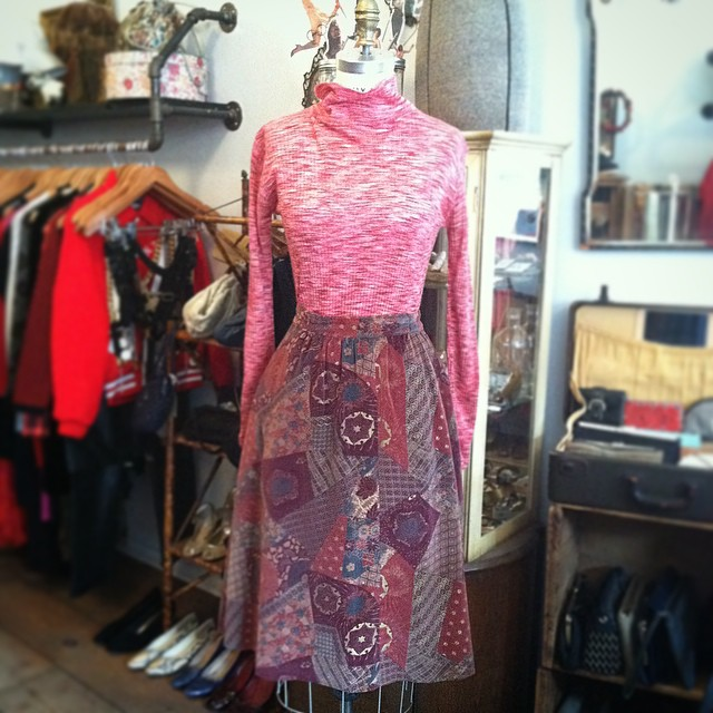 Marled meets Velvet in today's #ootd 🍥  #vintage #1970s turtleneck #madeinjapan $42 & skirt #madeinusa $60 *Both pieces sizing is M-L  #antoinettevintage #oneofakind #williamsburg #brooklyn #shopsmall     *This month bring a new, unused toy for a child in need & get 30% off Vintage #ToysforTots (at Antoinette)
