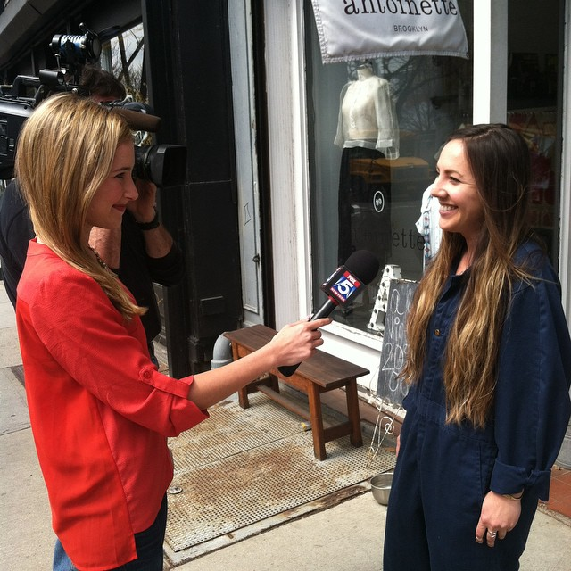 Getting interviewed by total babe Jodi Goldberg from #MyFoxNY about the upcoming 5 weekend straight L train closure 🎥 Be sure to watch the interview at 5pm on channel 5 tonight! #HiMomImonTV (at Antoinette)