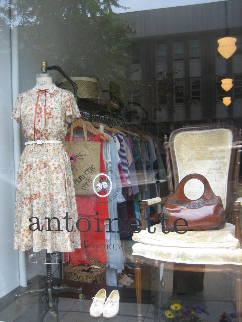 New window display