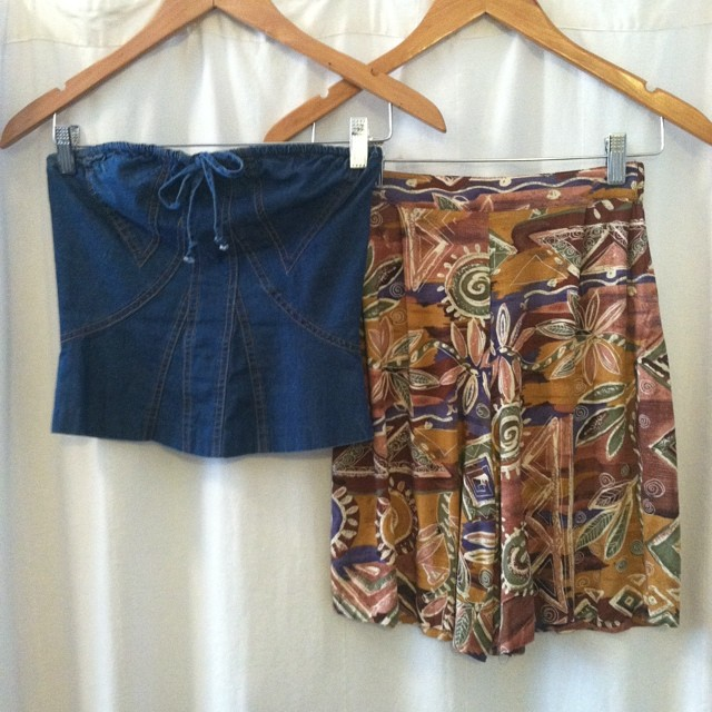 Pair up this #vintage #1990s #AnnaSui denim tube top (size 2 $50) & these vintage #90s high waisted rayon shorts (size 2 $48) for your perfect Summer Sunday outfit! #antoinettevintage #madeinusa #summerstyle #oneofakind #ootd #streetstyle #thriftandstyle  (at Antoinette)