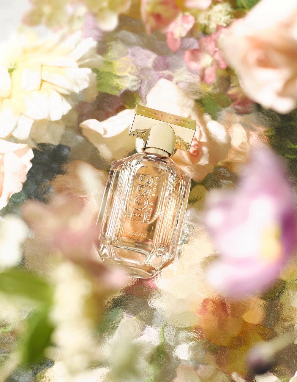 Styling-flowers-fashion-magazine-wonderland.jpg