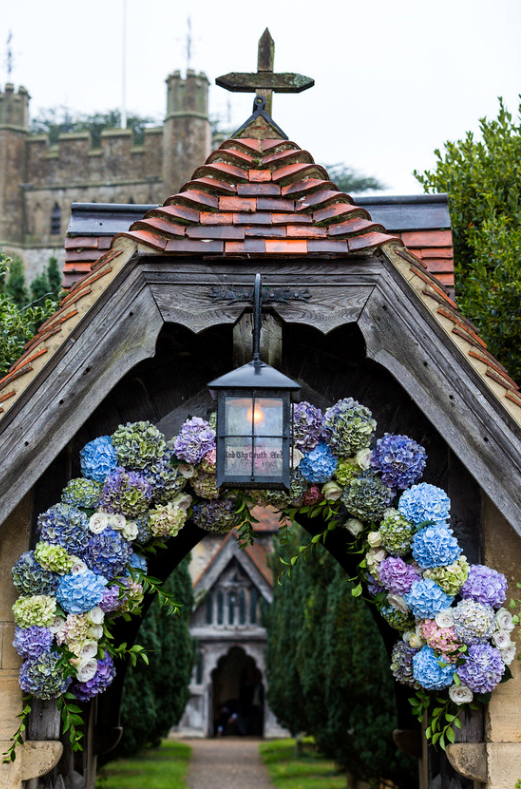 Flower-arch-church-wedding.png