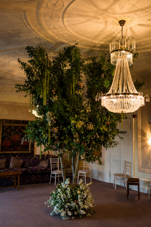 wedding-luxury-flowers-tree-oxfordshire.png