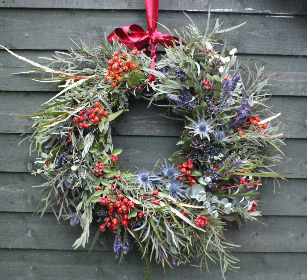 Christmas wreath - red.JPG