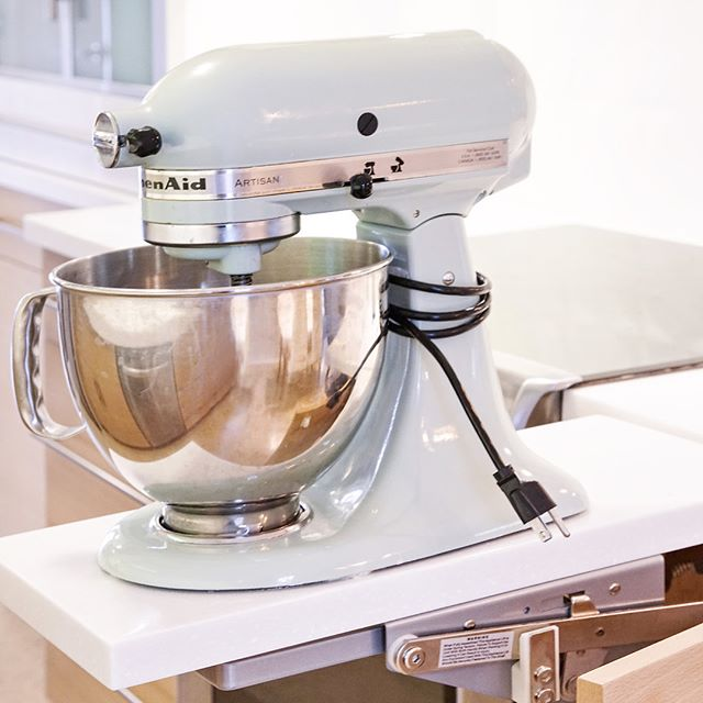 Because we ❤️ to bake — and love others who ❤️ to bake — A Mixer Lift is one of our favorite accessories to incorporate into a Kitchen design — including the ever important drawer below for rolling pins and cookie cutters! 📷 @caterphotography  #customkitchen #letsbuild #designmadefun #ableandbaker #kitchendesign #interiors #baking #kitchenaid #cabinets #interiordesign #californialiving #cabinetry #wood #desserts #handcrafted #builtbyhand