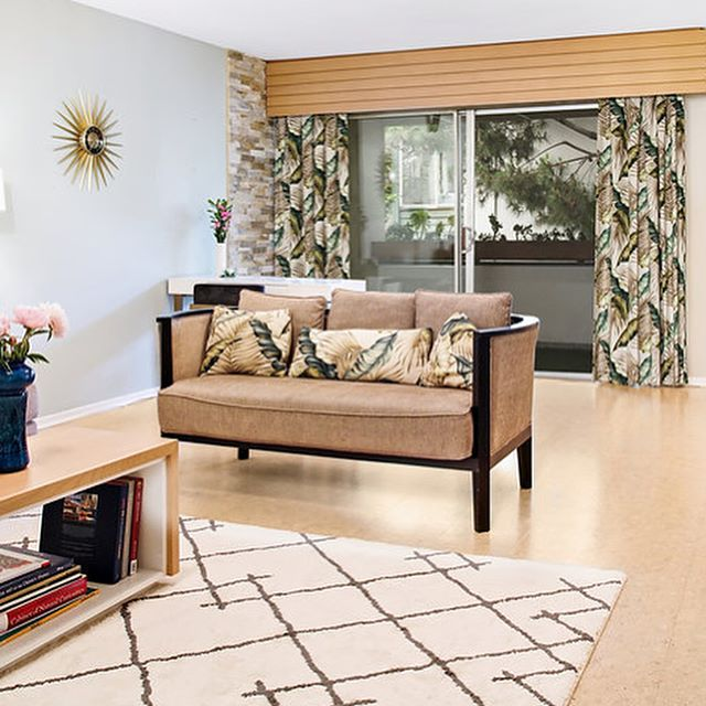 Custom Beech valance and coffee table for a Mid- Century California Tropical vibe in this design + build renovation project completed about 6 years ago. We can be so slow to photograph our projects! 📷 @caterphotography . . . #timeless #midcentury #californialiving #letsbuild #ableandbaker #wood #custom #builtbyhand #handcrafted #interiors #fineinteriors #sodomino #contemporary #customfurniture