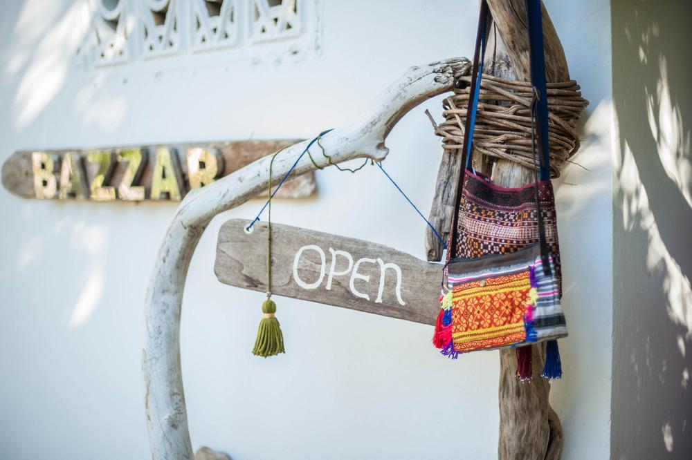bazzar-nosara-shopping
