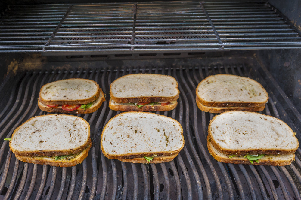 grilled-cheese-on-grill