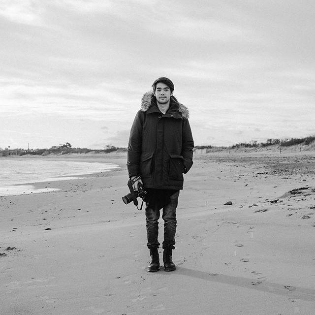 Ice @styleiceza⠀⠀ .⠀⠀ .⠀⠀ .⠀⠀ #ice #winterwalk #3rdbeach #portraitphotography #rhodeisland #ig_rhody #igersnewport #newportri #wanderingphotographers #thehonestlens #liveauthentic #bnwmagic #thephotosanctuary #sunwayphotography #annabellehenderson