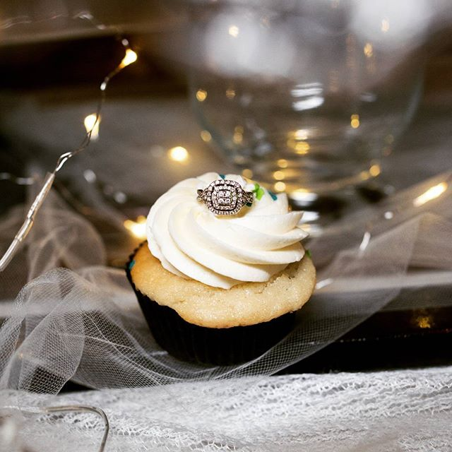 Diamonds and cupcakes - which would you rather?! Right now, I'd take 5 of those cupcakes! . . . #agirlsbestfriend #yummy #cupcakes #engagementrings #diamonds #sanantoniophotography #sanantonioweddingphotography