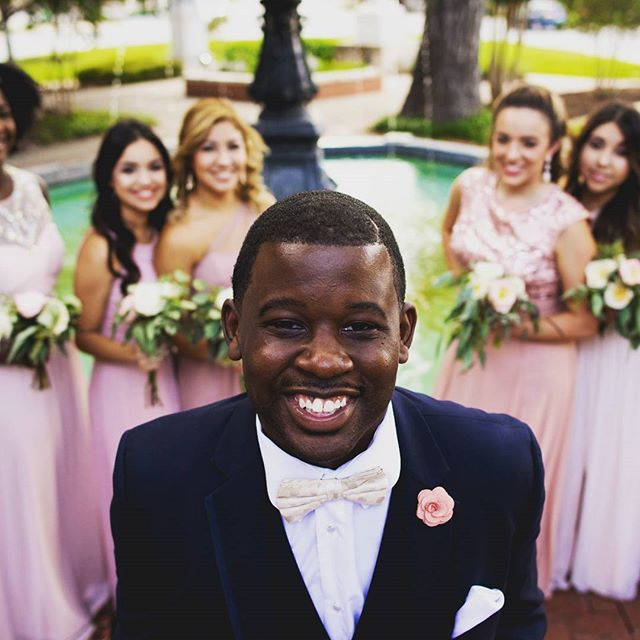Weddings can be so focused on the bride, sometimes we forget about the groom!! . . . . #seekatzoperahouse #newbraunfelstexas #newbraunfelsphotographer #sanantoniophotography #weddingphotography #groom #dapper #nikon #sanantonioweddingphotography