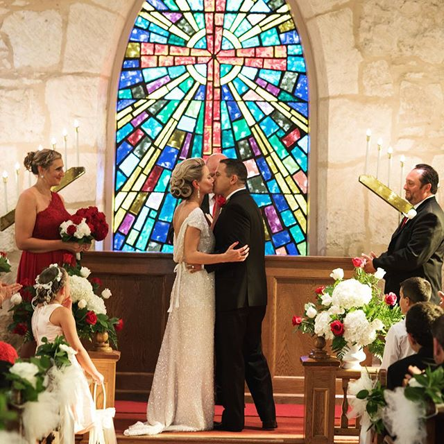 Fabulous couple with a fabulous little church ⛪ . . . . #sanantonioweddingphotography #weddingphotography #lavillita #downtownsanantonio #riverwalk #stainedglass #weddingphotographer #photography #youmaykissthebride #husbandandwife #fabulous #sawedding #texaswedding