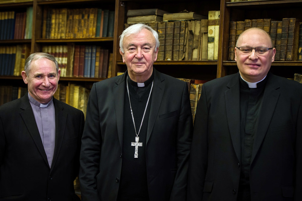 Photo: LEFT TO RIGHT: Bishop-elect Paul McAleenan, Cardinal Vincent Nichols, Bishop-elect John Wilson