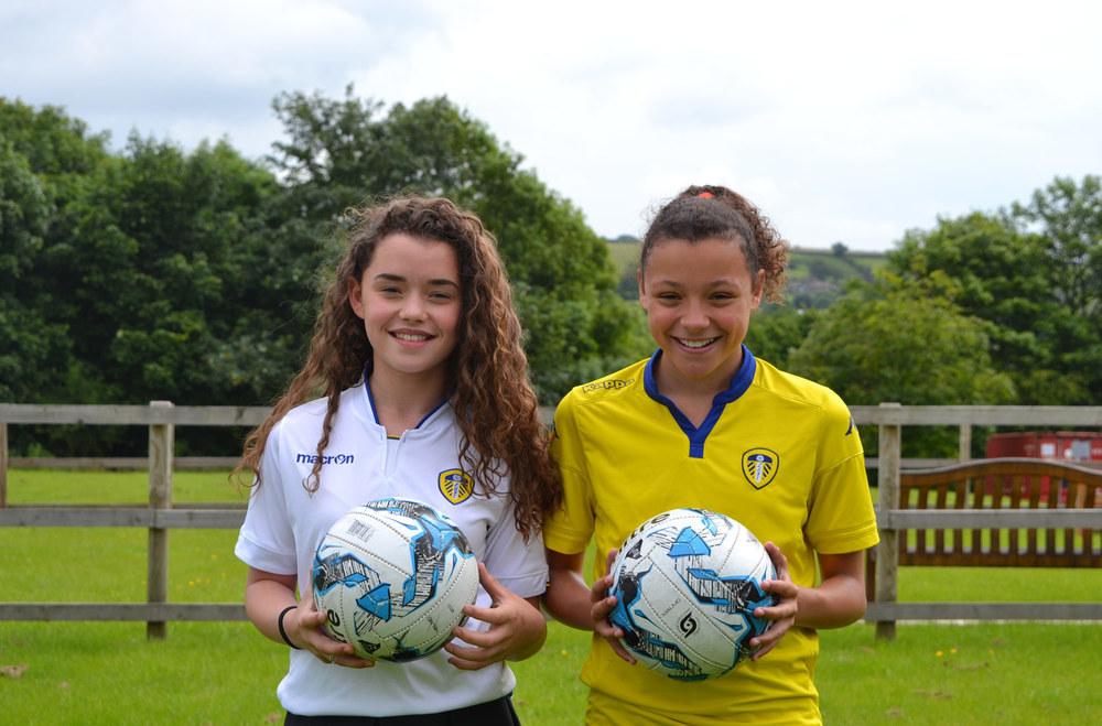 Photo:Hannah Whitehead (left), Danielle Quirke (right) ⚽️✨