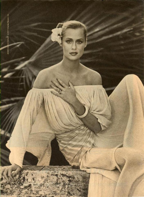 endless style + loving this cotton gauze dress. #laurenhutton