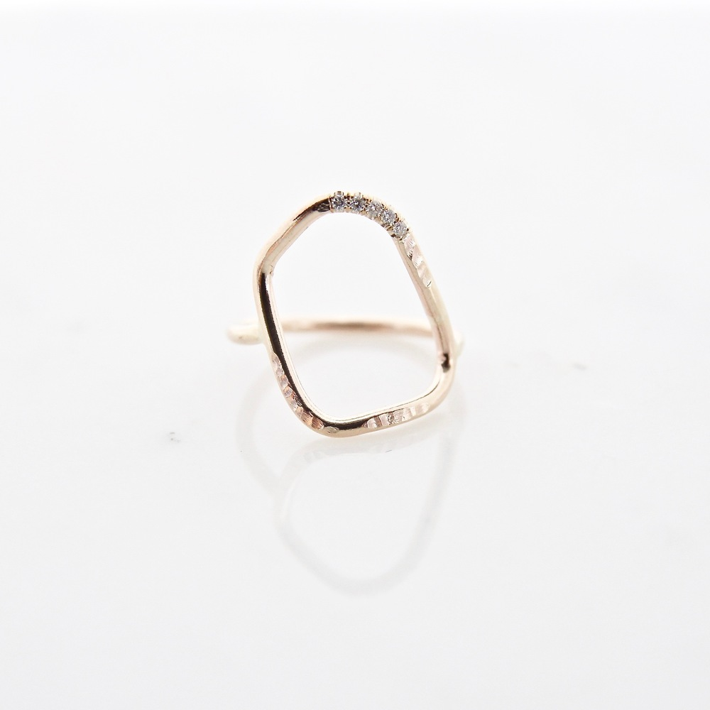 10k yellow gold geo ring with 5 white diamonds