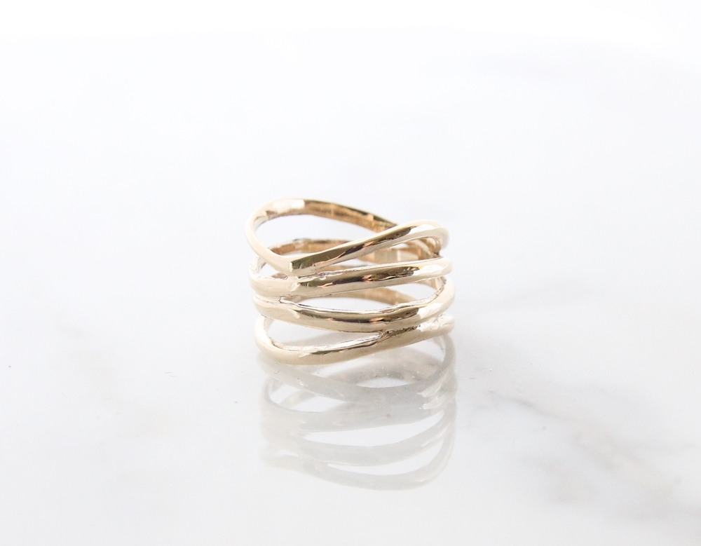 10k yellow gold organic waves band