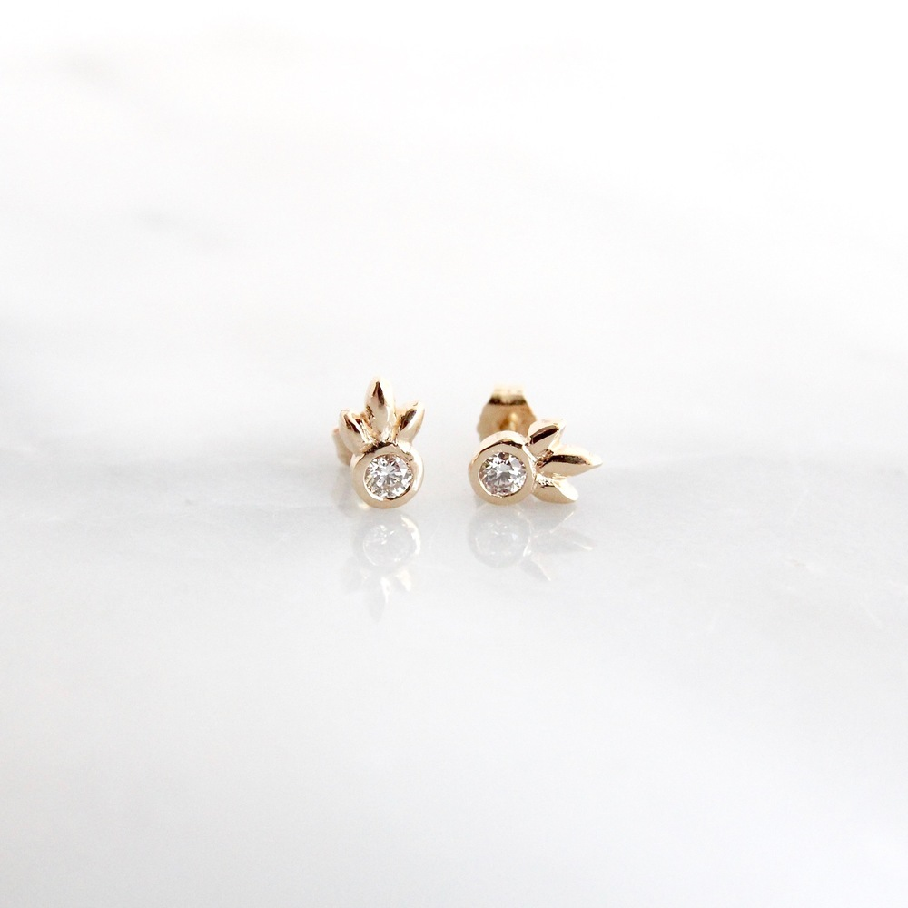 14k yellow gold second piercing diamond studs