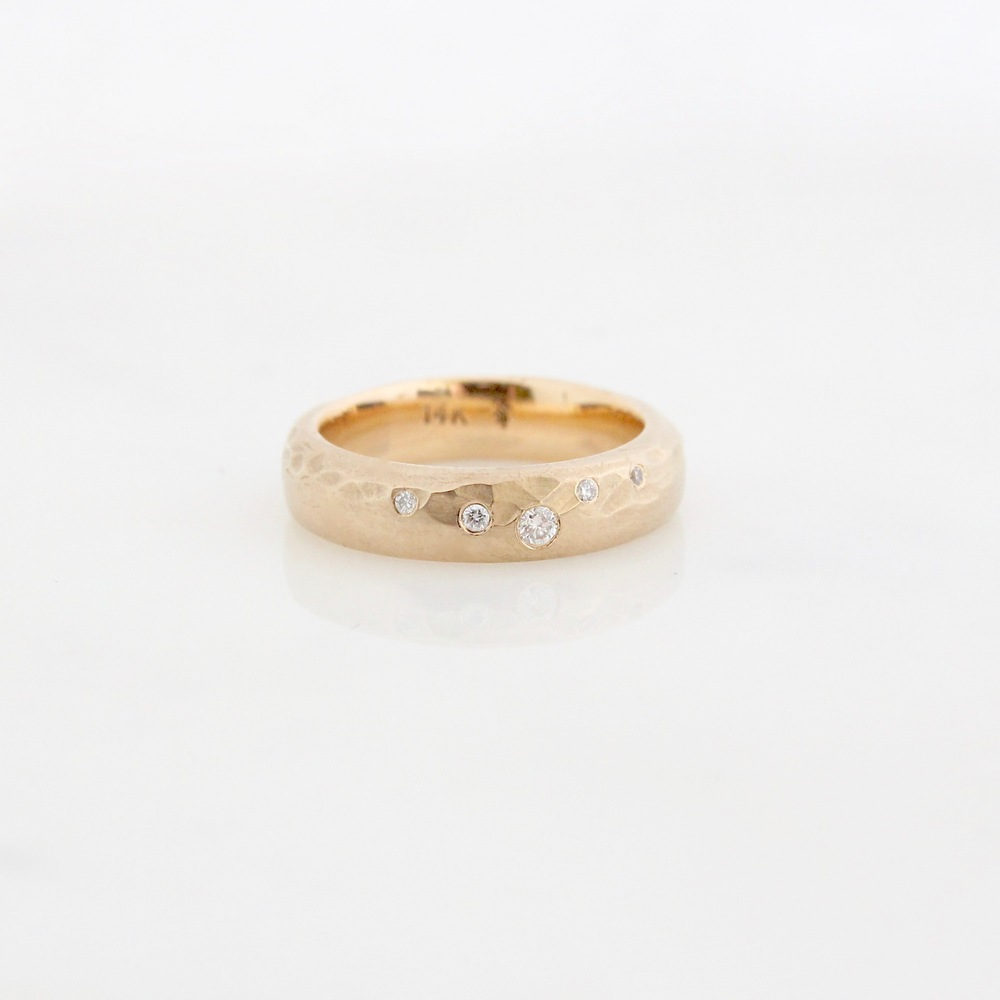 starry night band 14k yellow gold, diamonds
