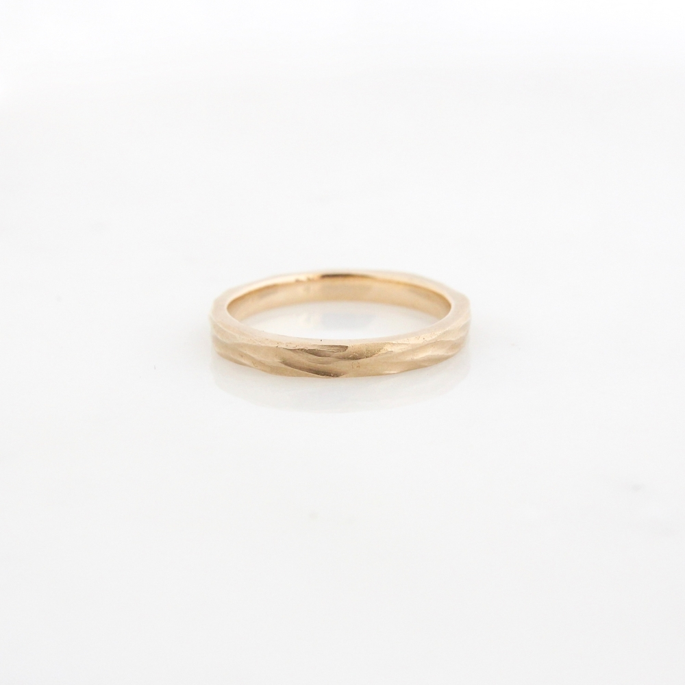stream band 14k yellow gold