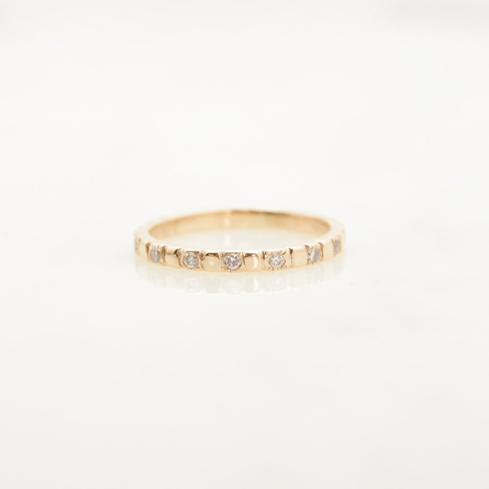 diamond pillow band 14k yellow gold