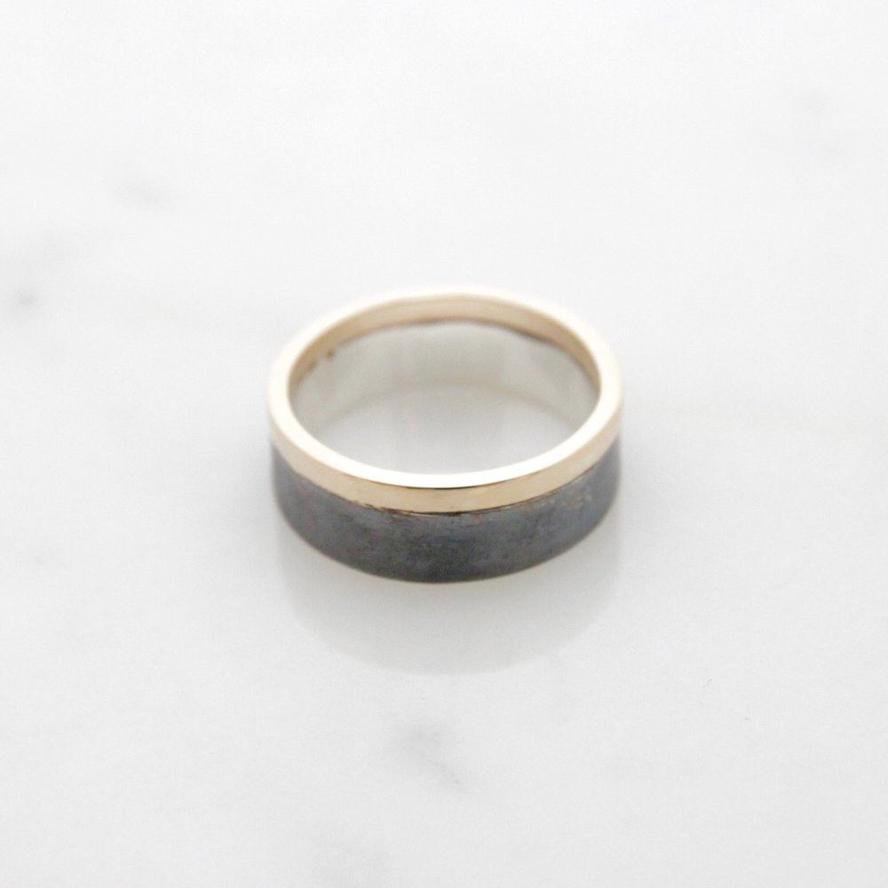 14k yellow & oxidized silver band