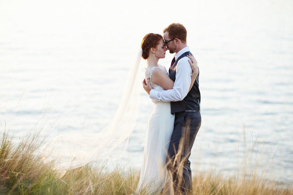 romantic-wedding-formal-by-okanagan-lake.jpg