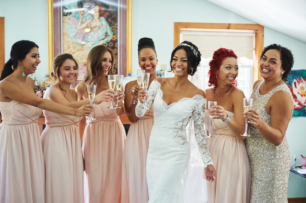 bridal-party-sharing-a-glass-of-champagne-with-ontario-bride.jpg