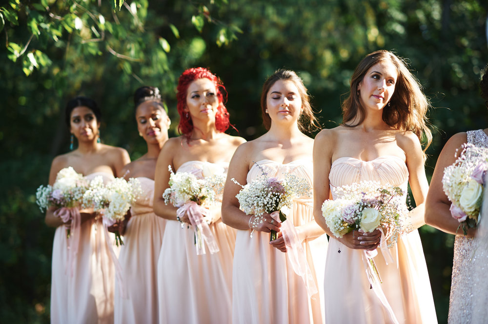 bridesmaids-in-the-sunshine-outdoor-ontario-wedding.jpg