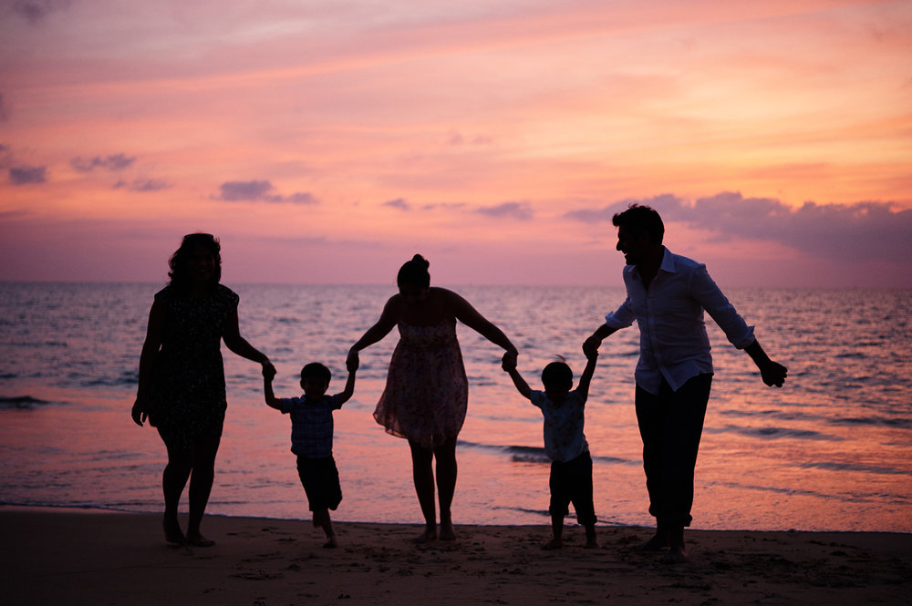 family-portraits-destination-wedding-in-thailand.jpg